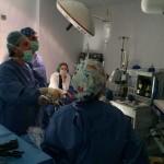 El equipo de Urología del Hospital Virgen del Mar, prueba con éxito un nuevo sistema hemostático que minimiza la hemorragia en cirugía mínimamente invasiva